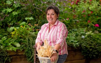 JOANNE DIVER, The Backyard Garden Enthusiast